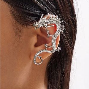 🌹New Listing🌹 Dragon 🐉 Ear Cuff